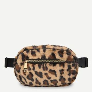 Handbags - 🖤Leopard Faux Fur Bum Bag EUC